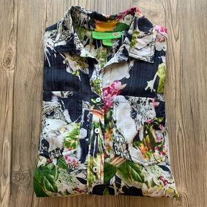 Pretty Island Republic Tropical, Split Back Blouse